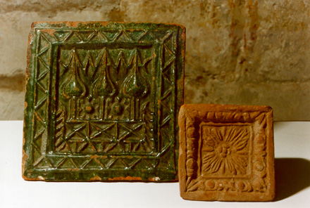 Russian tiles of the 16th-17th centuries.